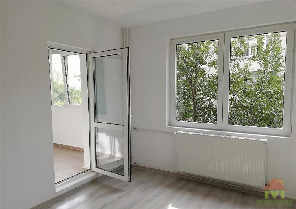 Apartament 4 camere de vanzare Aparatorii Patriei-Metrou