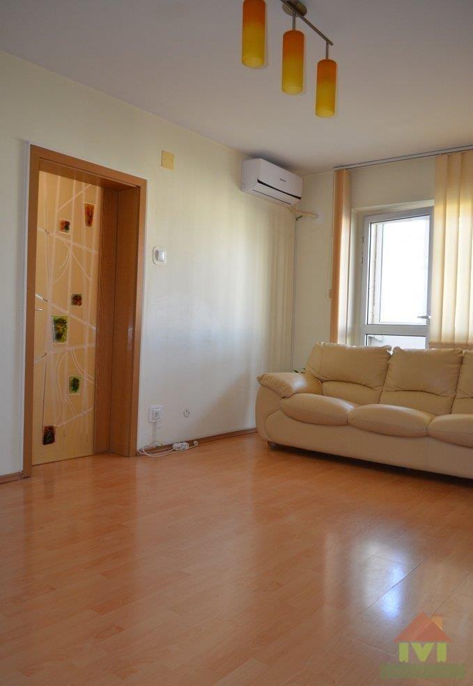 Apartament 4 camere de vanzare  Berceni -  Spiru Haret