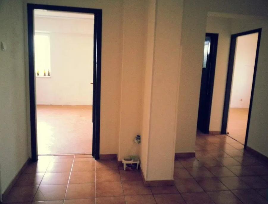 Apartament 4 camere de vanzare Oltenitei - Vacaresti