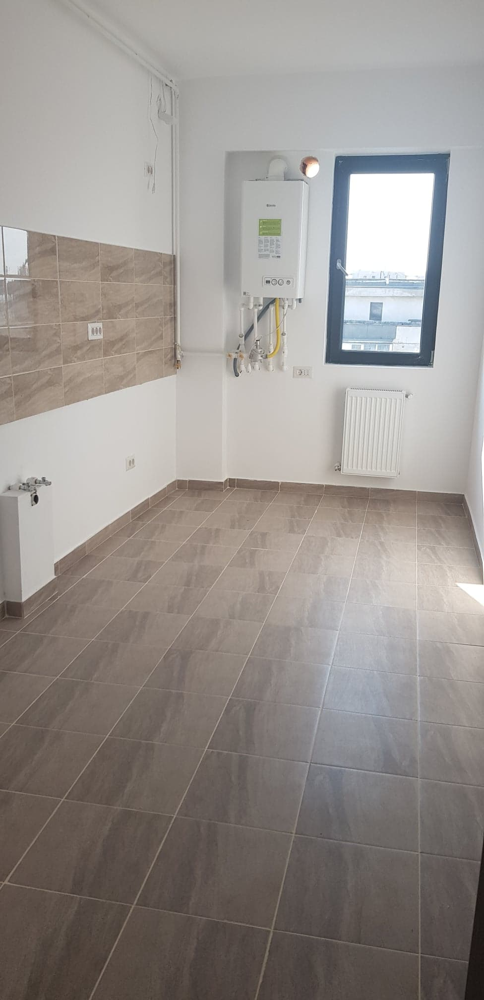 Apartament 3 camere de vanzare Aparatorii Patriei - Spiru Haret