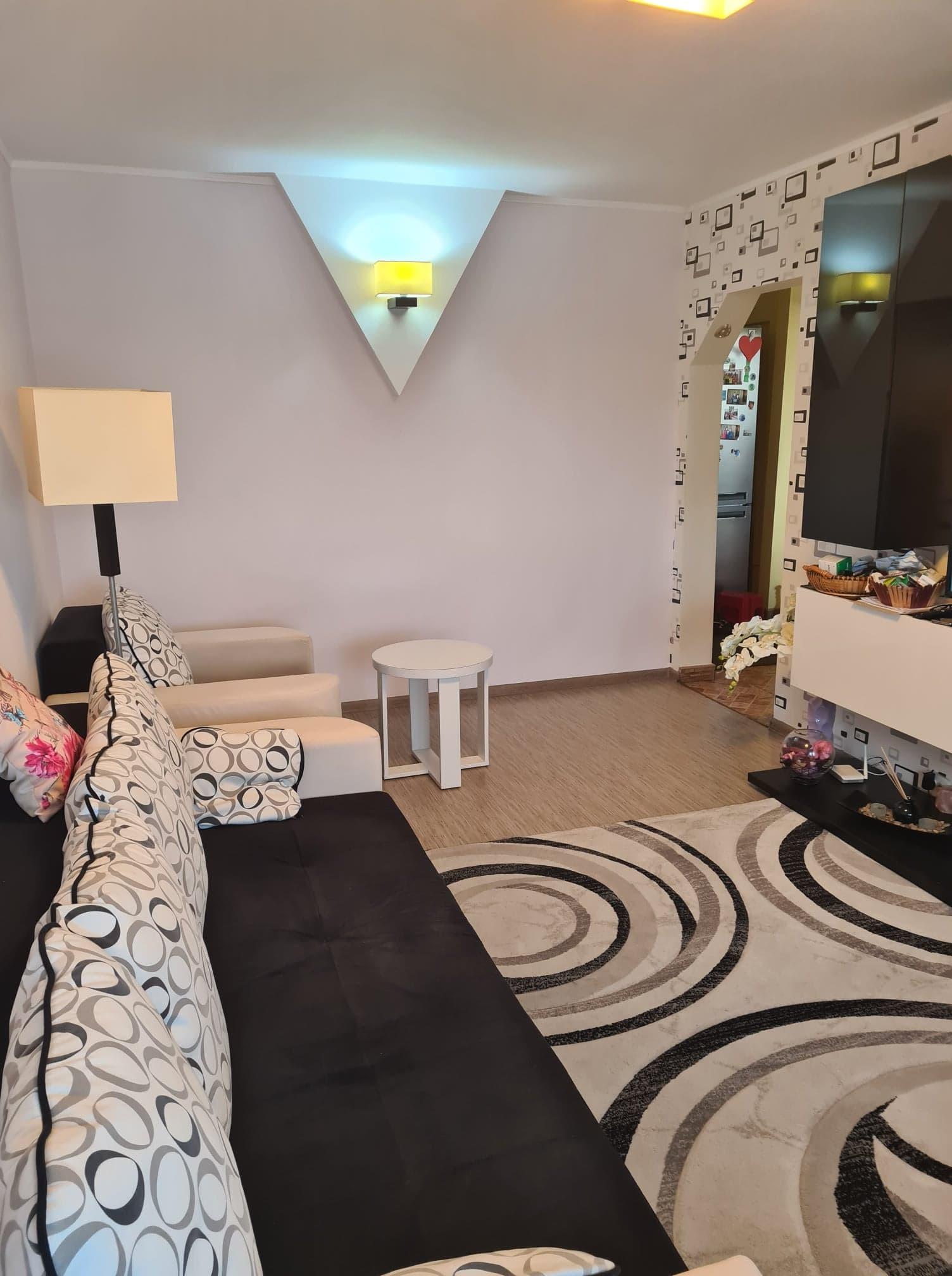 Apartament 3 camere de vanzare Sos.Berceni - Piata Berceni