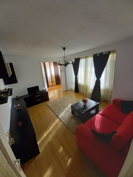 Apartament 3 camere de vanzare Berceni - Nitu Vasile